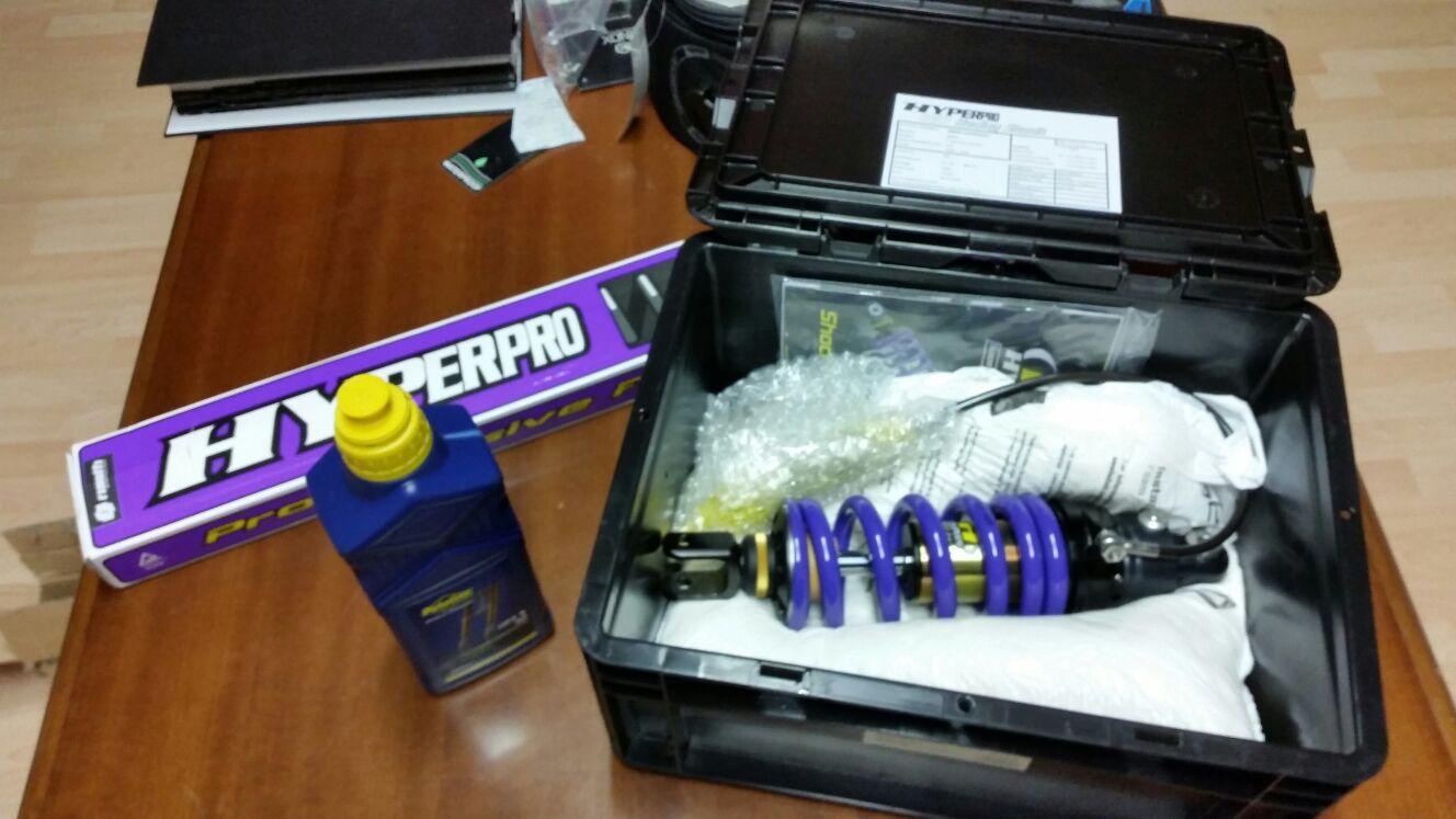Kit ammortizzatori Hyperpro posteriore e anteriori
